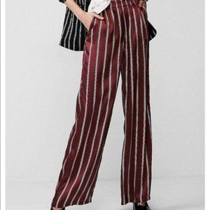 🤶⏬ EXPRESS Silky Wide Leg Striped Pant Large